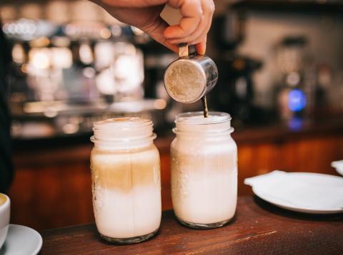 leche entera o descremada cuán es más saludable