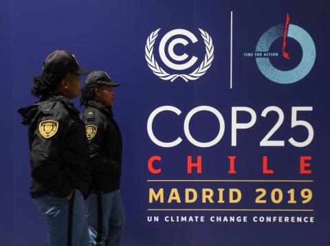 Mujeres de la seguridad de la COP25 en Madrid.