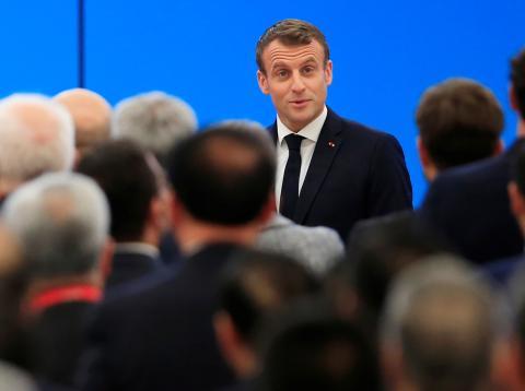 Emmanuel Macron, presidente francés, asiste a un foro de importación en China