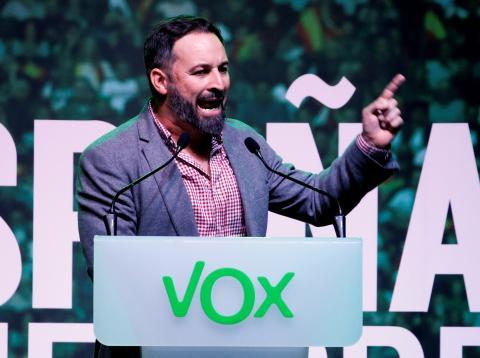 Santiago Abascal, líder de Vox, durante un mitin electoral