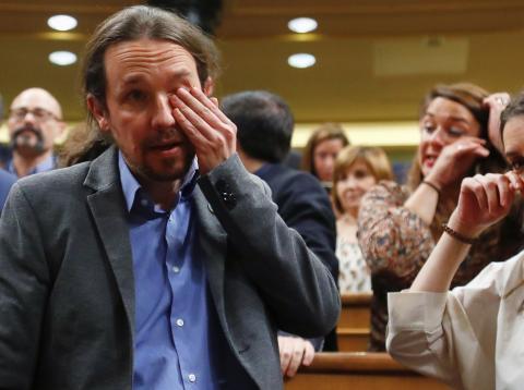 Pablo Iglesias e Irene Montero en el Congreso durante la sesión de investidura