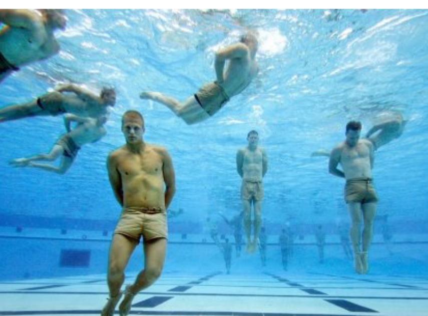 La técnica de los Navy SEALs para nadar kilómetros sin cansarse
