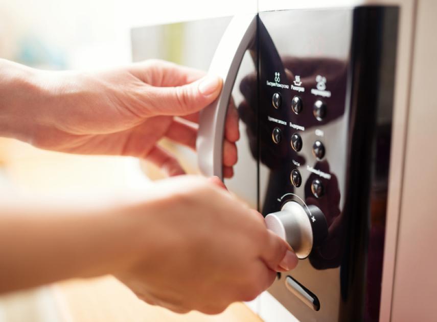 7 trucos que no sabías que podías hacer con tu microondas