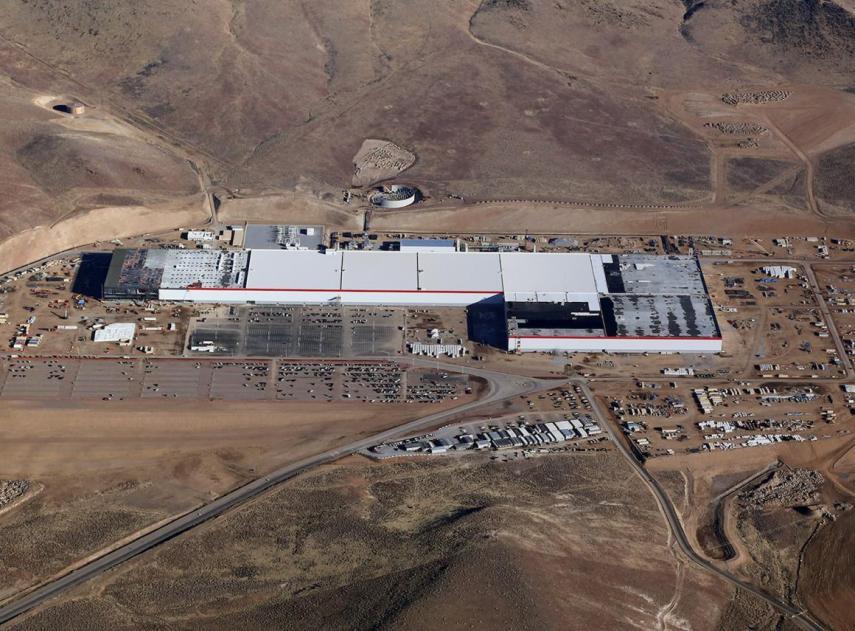 Así es trabajar en la gigafábrica de Tesla, según sus empleados