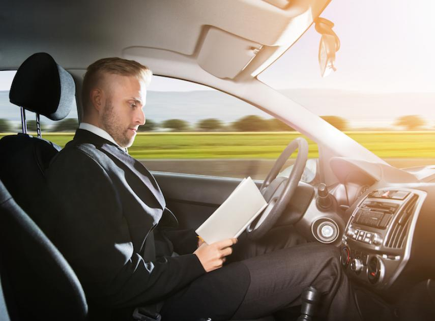 Claves para entender cómo funcionan los 5 niveles de conducción autónoma