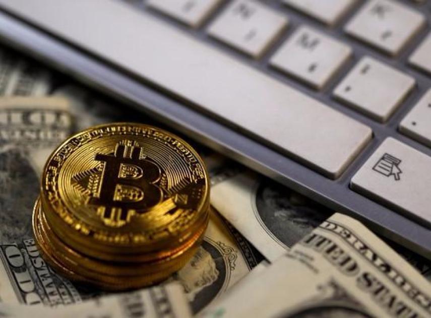 Todo lo que necesitas sabes sobre el Bitcoin, sus misteriosos orígenes y las presuntas identidades de su creador