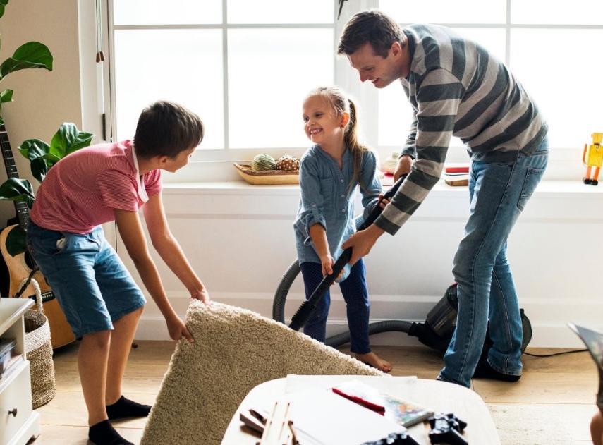 C mo limpiar un suelo laminado mantenimiento consejos y - Como limpiar suelo porcelanico ...