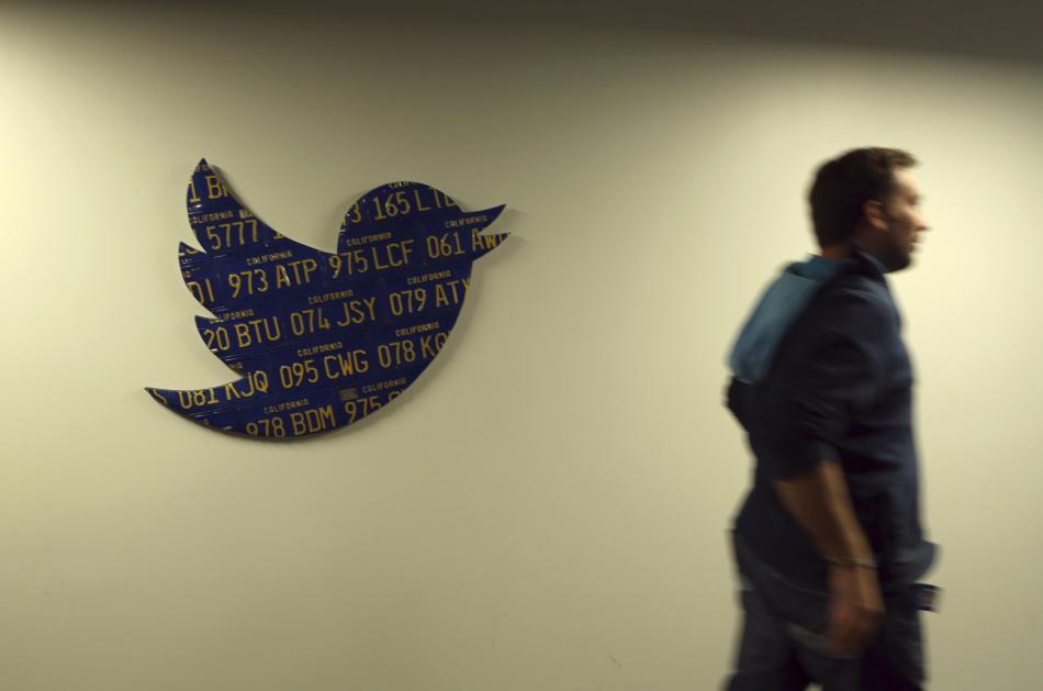 Un empleado de Twitter en su sede de San Francisco