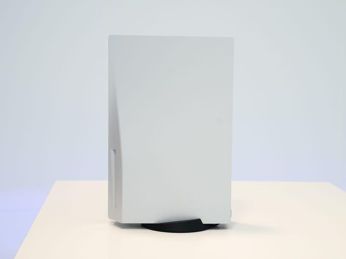 La PlayStation 5 es la consola más grande de Sony hasta la fecha.