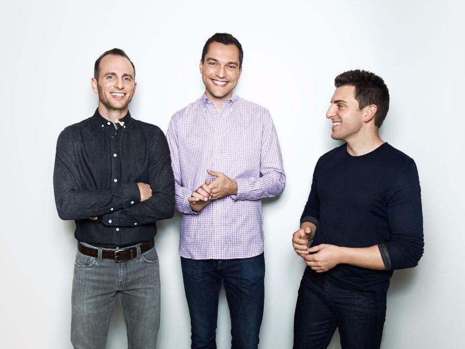 Desde la izquierda: los cofundadores de Airbnb, Joe Gebbia, Nathan Blecharczyk y Brian Chesky.
