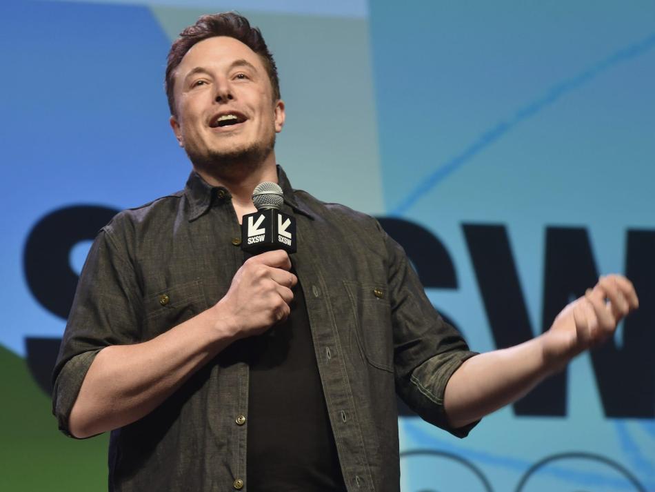 Musk ha tuiteado cosas contradictorias.