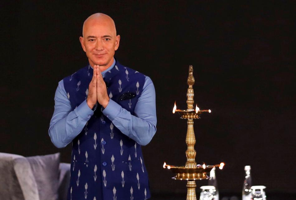 El fundador y CEO de Amazon, Jeff Bezos, en un evento en Nueva Delhi, India.