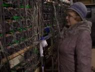 Dos abuelas rusas combaten el frío siberiano minando bitcoin