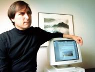 A vintage Macintosh floppy disk signed by Apple cofounder Steve Jobs and valued at $7,500 is up for auction