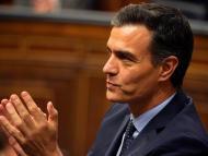 Pedro Sánchez, desde su escaño en el Congreso.