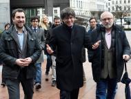 Toni Comín, Carles Puigdemont y Lluis Puig llegan al Europarlamento.