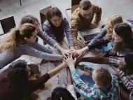 Grupo de trabajo colaborando