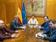 La ministra de Trabajo, Yolanda Díaz, con los secretarios generales de CCOO, Unai Sordo, y UGT, Josep María Álvarez, y los presidentes de la CEOE, Antonio Garamendi, y Cepyme, Gerardo Cuerva.
