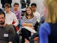 Millennials en una conferencia.