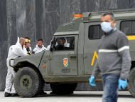 Coronavirus: La UME desinfecta un hospital en Asturias.