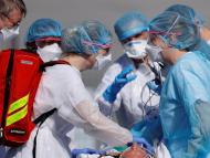 Médicos de urgencias contra el coronavirus