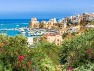Puerto de Castellammare del Golfo, en Sicilia