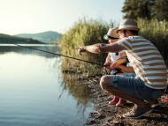Pesca para principiantes: guía y equipo básico según la modalidad