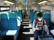 Viajero tren vacío coronavirus