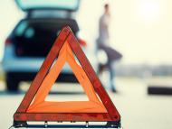 Cómo colocar los triángulos de emergencia del coche