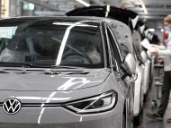 FILE PHOTO: VW restarts production after lockdown Reuters