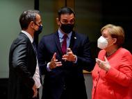 El presidente de Grecia, Kyriakos Mitsotakis; el presidente de España, Pedro Sánchez; y la canciller federal alemana, Angela Merkel.