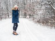 Chica botas nieve