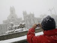 La Cibeles cubierta de nieve