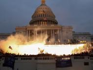 Miles de manifestantes asaltan el Congreso de Estados Unidos