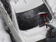 Quitar el hielo del coche