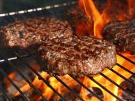Las mejores hamburguesas que puedes comprar en el supermercado, según la OCU; una del Lidl, descartada