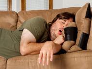 4 consejos para echarte las mejores siestas entre semana: cuánto deben durar y por qué es bueno tomar café antes de dormir