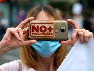 Una enfermera del Hospital Niño Jesús protesta contra la precariedad laboral en la sanidad pública madrileña