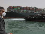 The Ever Given, atrapado en el Canal de Suez, Egipto, desde el jueves 25 de marzo de 2021.