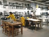 Ikea baja los precios en los 130 productos más demandados por los españoles: mesas, estanterías, camas, armarios y más