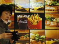mujer cartel McDonald's