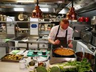 Qué son las 'dark kitchen': el futuro o la amenaza de los restaurantes que impulsa la pandemia
