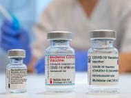 Viales de diferentes vacunas contra COVID-19.