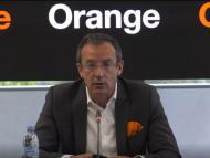 El consejero delegado de Orange España, Jean-François Fallacher, en la rueda de prensa