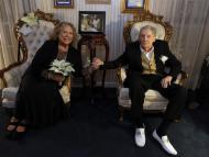 Jerry Lee Lewis juntos a su esposa Judith persona mayor