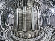 interior del tokamak JET fusión nuclear