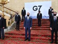 El representante de Exteriores de la UE, Josep Borrell, junto a los ministros de Exteriores del G7