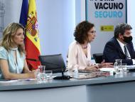 La vicepresidenta tercera, Yolanda Díaz, la ministra de Hacienda, María Jesús Montero, y el de Inclusión y Seguridad Social, José Luis Escrivá