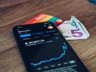 Una aplicación indica el precio de bitcoin.