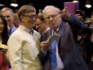Bill Gates y Warren Buffett charlando